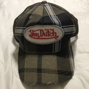 Von Dutch hat